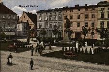 Prudnik : pomnik cesarza Wilhelma I na placu Szarych Szeregów, kamienice