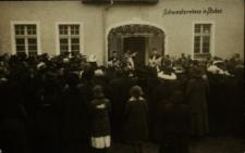 Stobno : przed domem zakonnic