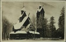 Bierutowice : świątynia Wang zimą