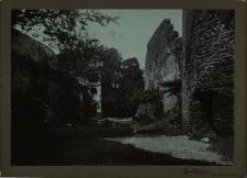 Bolków : mury okalające zamek