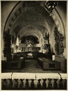 Gryfów Śląski : wnętrze kościoła; nawa główna, w głebi organy
