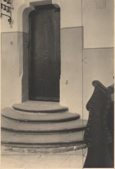 Jemielnica : dawne drzwi do kościoła