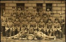 Wrocław : pamiątkowe zdjęcie oficerów z okresu I wojny światowej