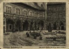Niemodlin : dziedziniec zamkowy