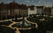 Opole : plac Fryderyka [dziś Daszyńskiego] z fontanną Ceres i szkołą ewangelicką