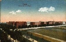 Opole : widok od ul. Plebiscytowej i Ozimskiej na obiekty wojskowe, m.in. na koszary 63 Pułku Piechoty I Batalionu