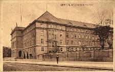 Opole : budynek Okręgowej Dyrekcji Kolei Państwowych, dziś Wojewodzkiej Komendy Policji