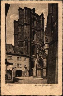 Nysa : m.in. wejście do kościoła pw. św. Jakuba St. i św. Agnieszki, dzwonnica